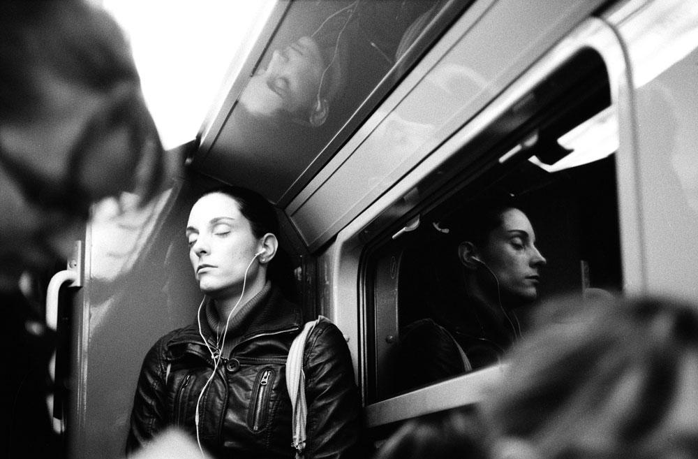 http://florianmaurer.fr/files/gimgs/6_florian-maurer-photographie-metro-rer-4.jpg